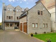 5 bed Detached house in Dobb Kiln Lane, Bingley...