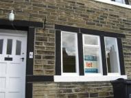 2 bed property to rent in Lowgate, Holmfirth
