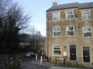 4 bedroom Terraced property to rent in Woodland View, Holmfirth