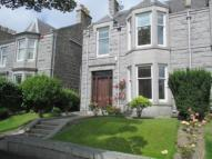 5 bedroom semi detached house in Gladstone Place...