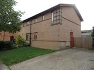 3 bedroom semi detached house to rent in Shenley Lodge...