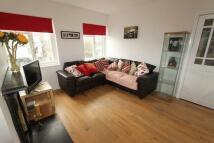 Flat for sale in Limpsfield Road...
