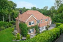 5 bed Detached house for sale in PENN