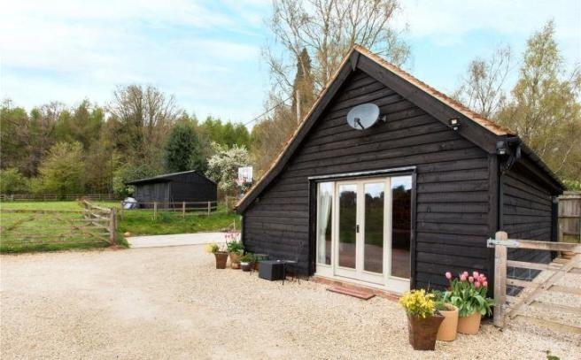 Outbuilding/Paddock
