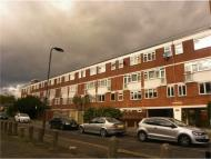 Flat for sale in Fellows Court...