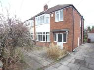 3 bedroom semi detached property to rent in Gainsborough Avenue...