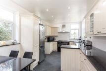 4 bedroom semi detached house in Shaftesbury Avenue...