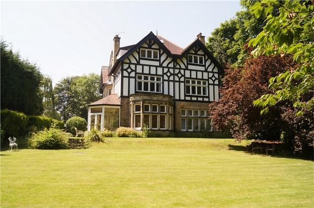 4 Bedroom Apartment For Sale In Flat 1 5 Park Avenue Roundhay