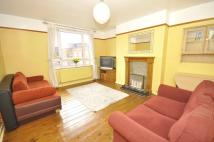 3 bedroom Flat in Priory Close, London