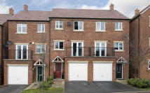 3 bed Town House in Marshall Crescent...