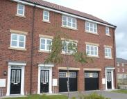 Town House to rent in Pilgrims Way...