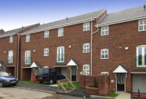 Duplex in Crownoakes Drive...