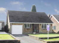 2 bed Detached Bungalow in 389 Sandyfields Road...