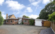 Detached Bungalow in 4 Stourton Crescent...
