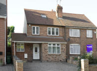 4 bedroom semi detached house in 140 St. Peters Road...