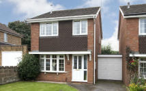 3 bed Link Detached House in Chapel Street...