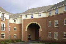 2 bed Apartment to rent in 16 Newlands Close...