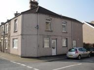 Flat to rent in Coedpenmaen Road...