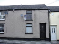 2 bedroom Terraced house in Wind Street, Porth