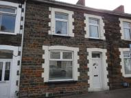 Terraced property in Queen Street, Treforet...
