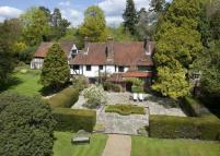 8 bed Detached home for sale in Kingscote...