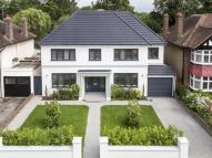 6 bed Detached property in Grove Way, Esher, KT10