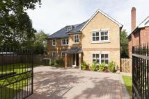5 bed semi detached property to rent in Stevens Lane, Claygate...