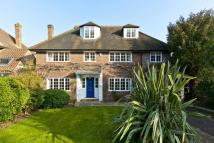 5 bed Detached home in Wayneflete Tower Avenue...