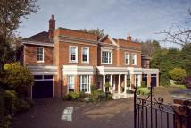 6 bed Detached house in Blackhills, Esher, KT10