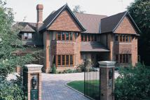 5 bed Detached house in Broad Highway, Cobham...