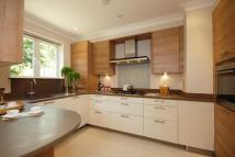 Apartment to rent in Clare Hill Court...