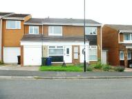 3 bed semi detached house in Warenmill Close...