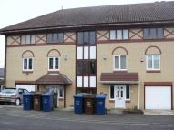 2 bed Flat in Throckley, Holeyn Road