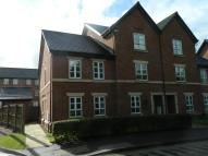Town House to rent in Rushgreen Road, Lymm...