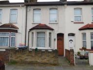 3 bedroom Terraced house in Edmonton