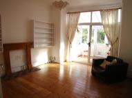 1 bed Flat to rent in Bergholt Crescent