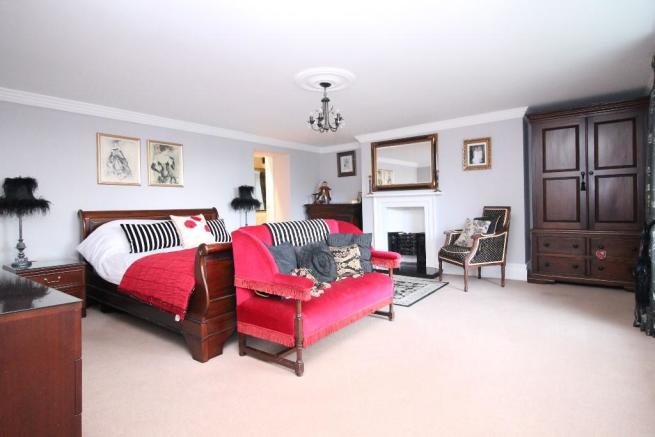Master Bedroom Pic 1