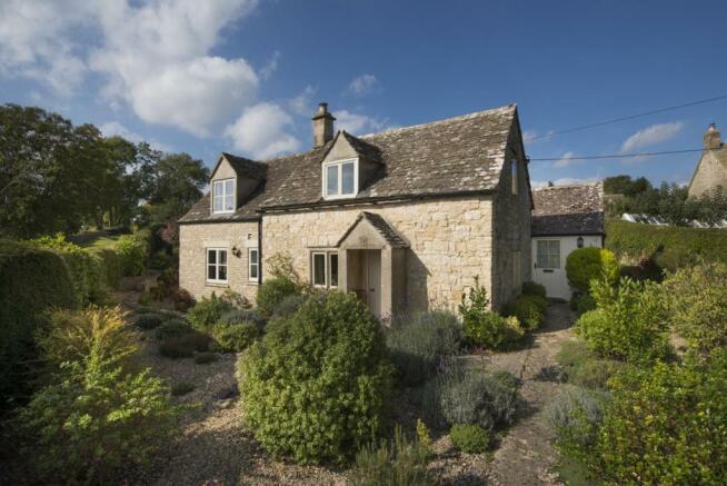 4 Bedroom Cottage For Sale In Gilly Flower Far Oakridge