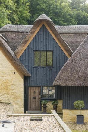 The Thatched House-032.jpg