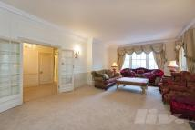4 bed Apartment to rent in Abbey Lodge, Park Road...