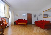 1 bedroom Flat in College House...