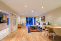3 bedroom Flat in Finchley Road, Hampstead...