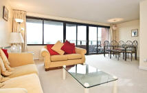 Apartment in Cresta House...