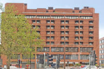 2 bed Flat for sale in Cresta House...