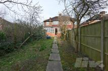 Detached home to rent in Hendon Way...