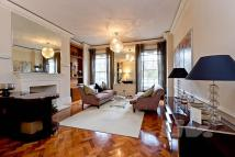 2 bedroom Apartment in Grosvenor Square...
