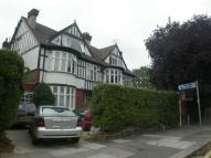 Apartment to rent in Chatsworth Road, Kilburn...