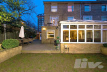 4 bedroom property to rent in Loudon Road...