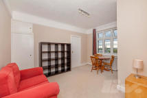 1 bedroom Flat to rent in Grove Hall Court...