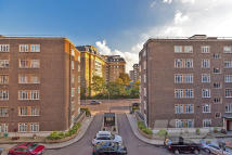 4 bed Flat in Regency Lodge...